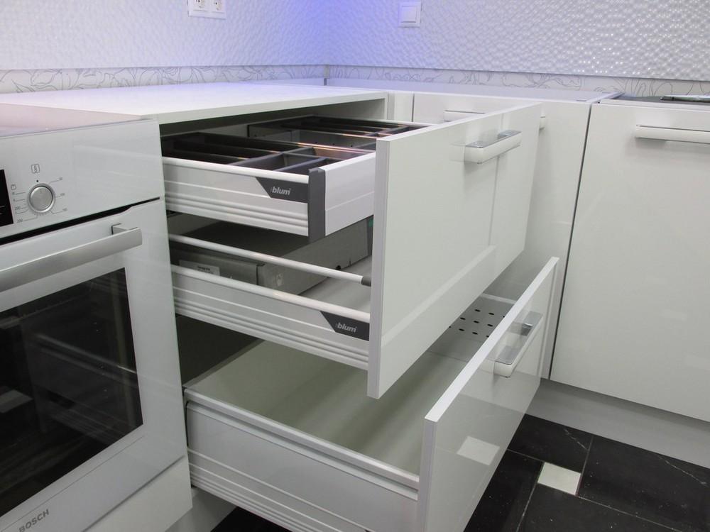 Белый кухонный гарнитур-Кухня из пластика «Модель 143»-фото6