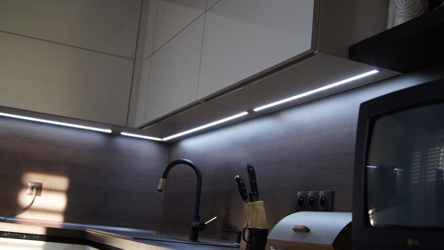 Белый кухонный гарнитур-Кухня из пластика «Модель 270»-фото5