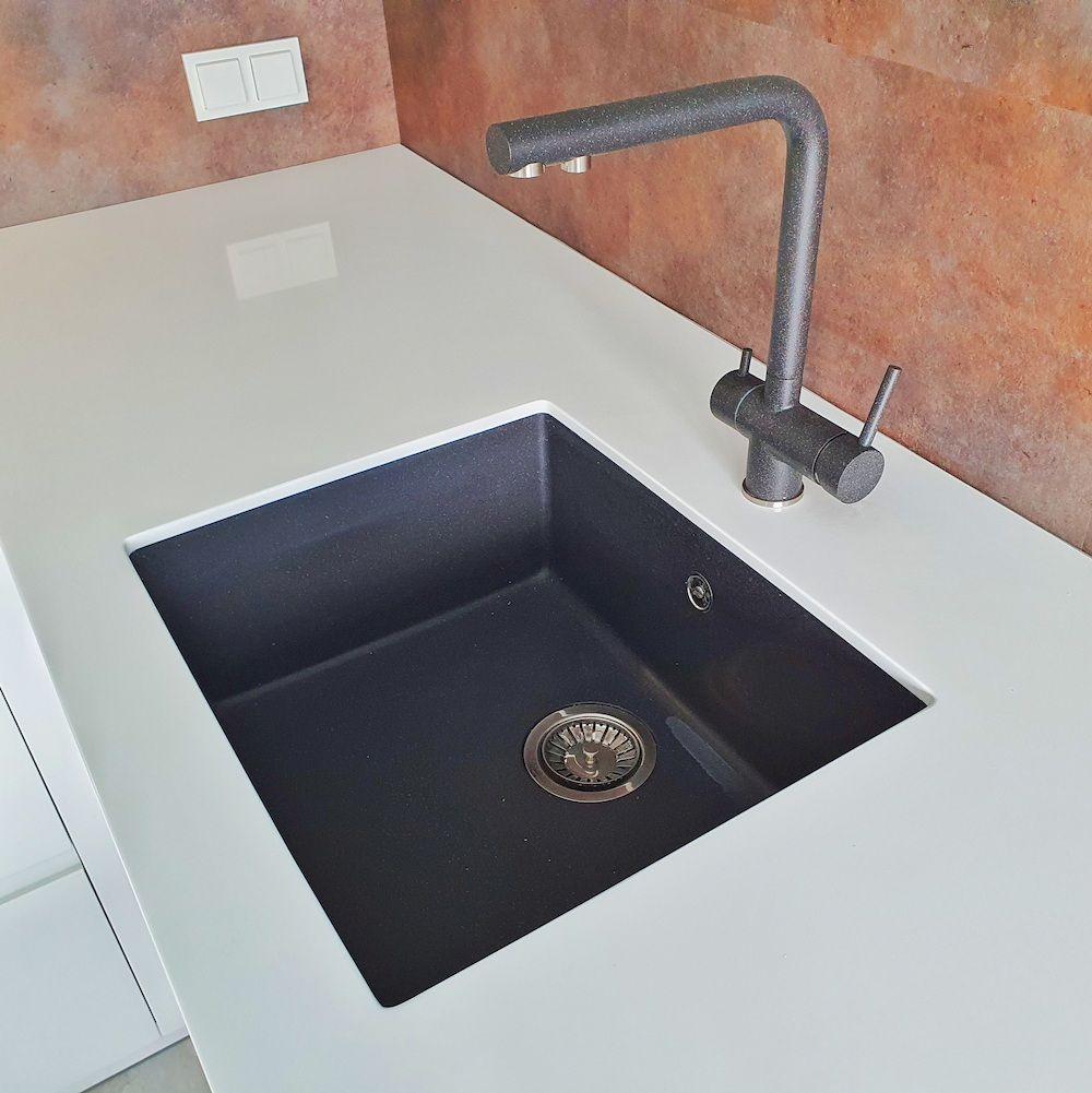 Белый кухонный гарнитур-Кухня МДФ в эмали «Модель 533»-фото8