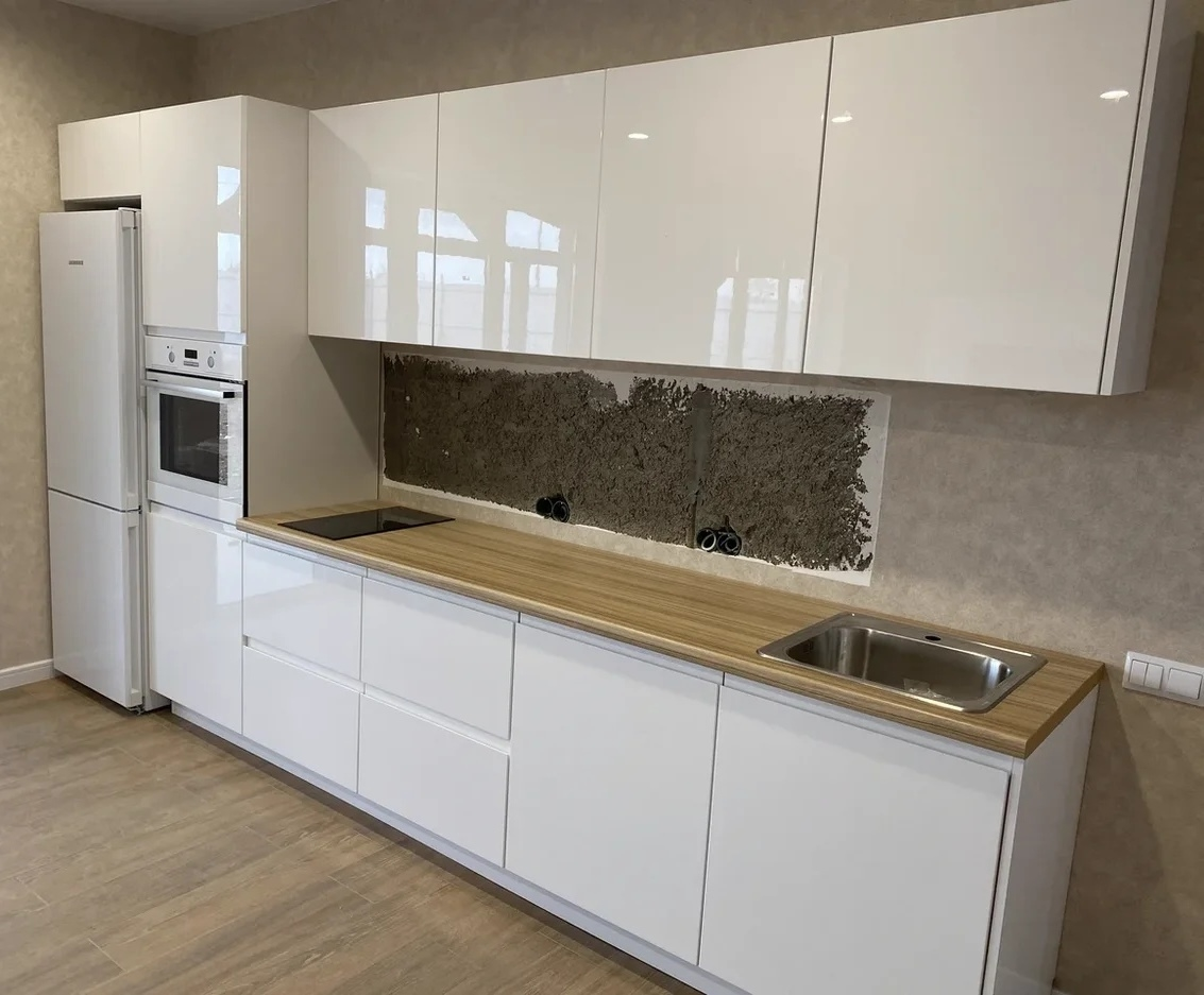 Белый кухонный гарнитур-Кухня МДФ в эмали «Модель 570»-фото1